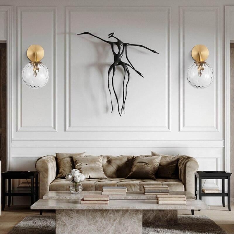 Thiết kế phòng khách theo phong cách nghệ thuật, đường nét của đèn tường cũng phải thật tinh tế, độc đáo