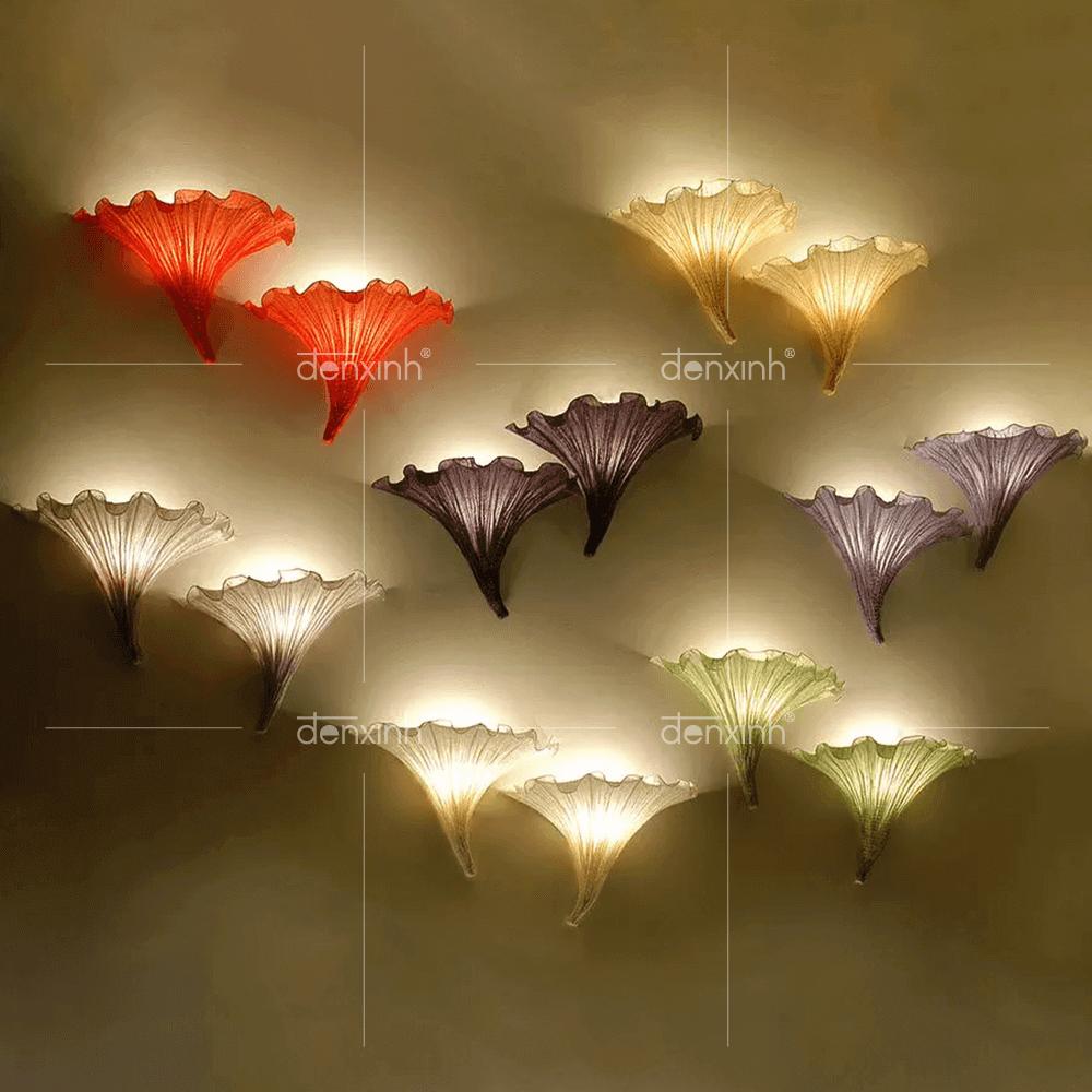 Đèn áp tường hoa loa kèn của Đèn Xinh phù hợp với không gian sân thượng mang tính nghệ thuật, sáng tạo cao