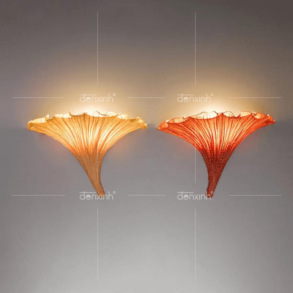 Đèn áp tường hoa loa kèn