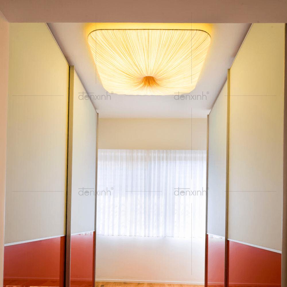 Đèn treo vuông bầu lụa nhăn 2 mặt nhẹ nhàng mang ánh sáng cho không gian phòng