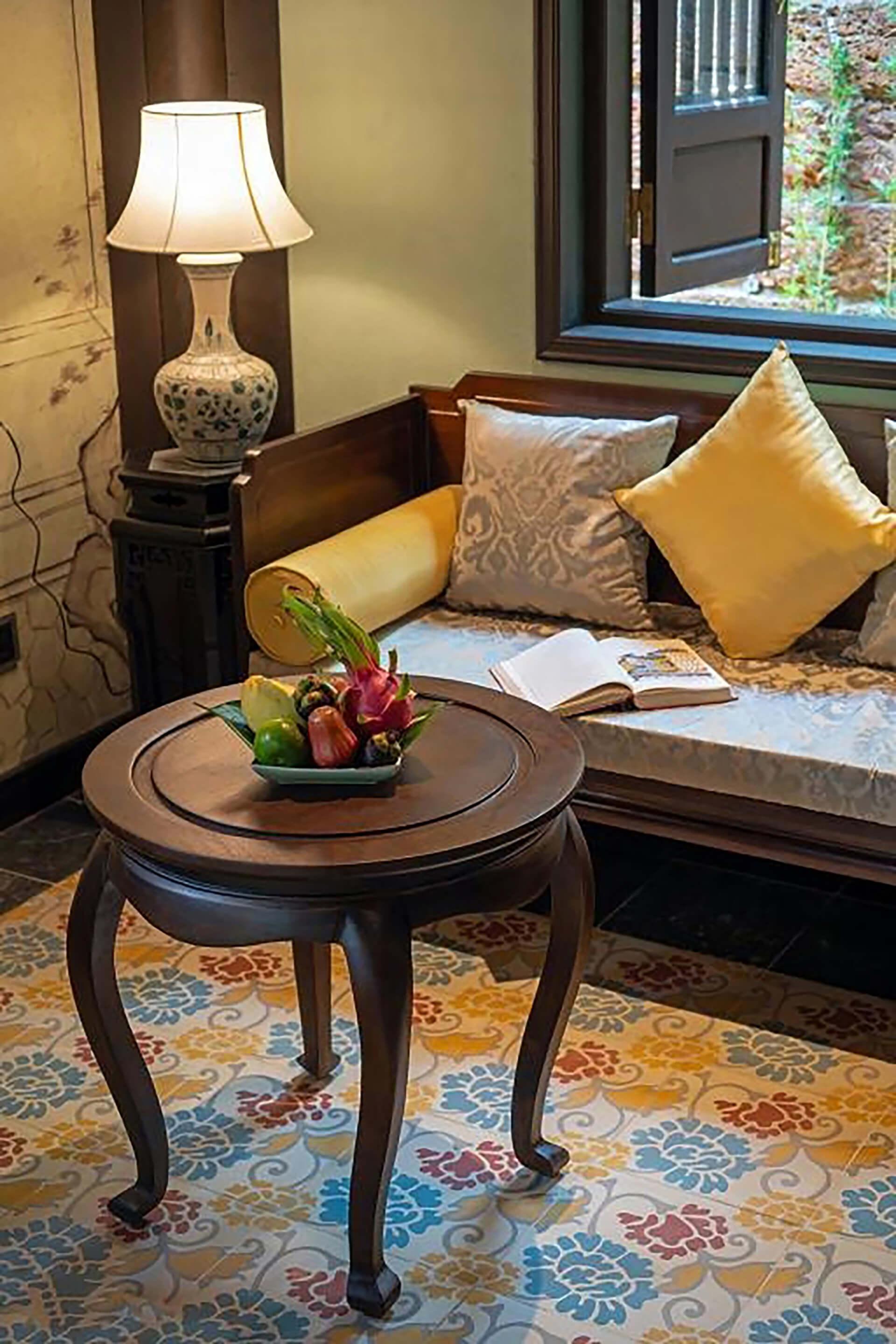 Cùng Đèn Xinh, thư giãn tại không gian Ancient Huế Garden Houses với những chiếc đèn bàn cuốn hút