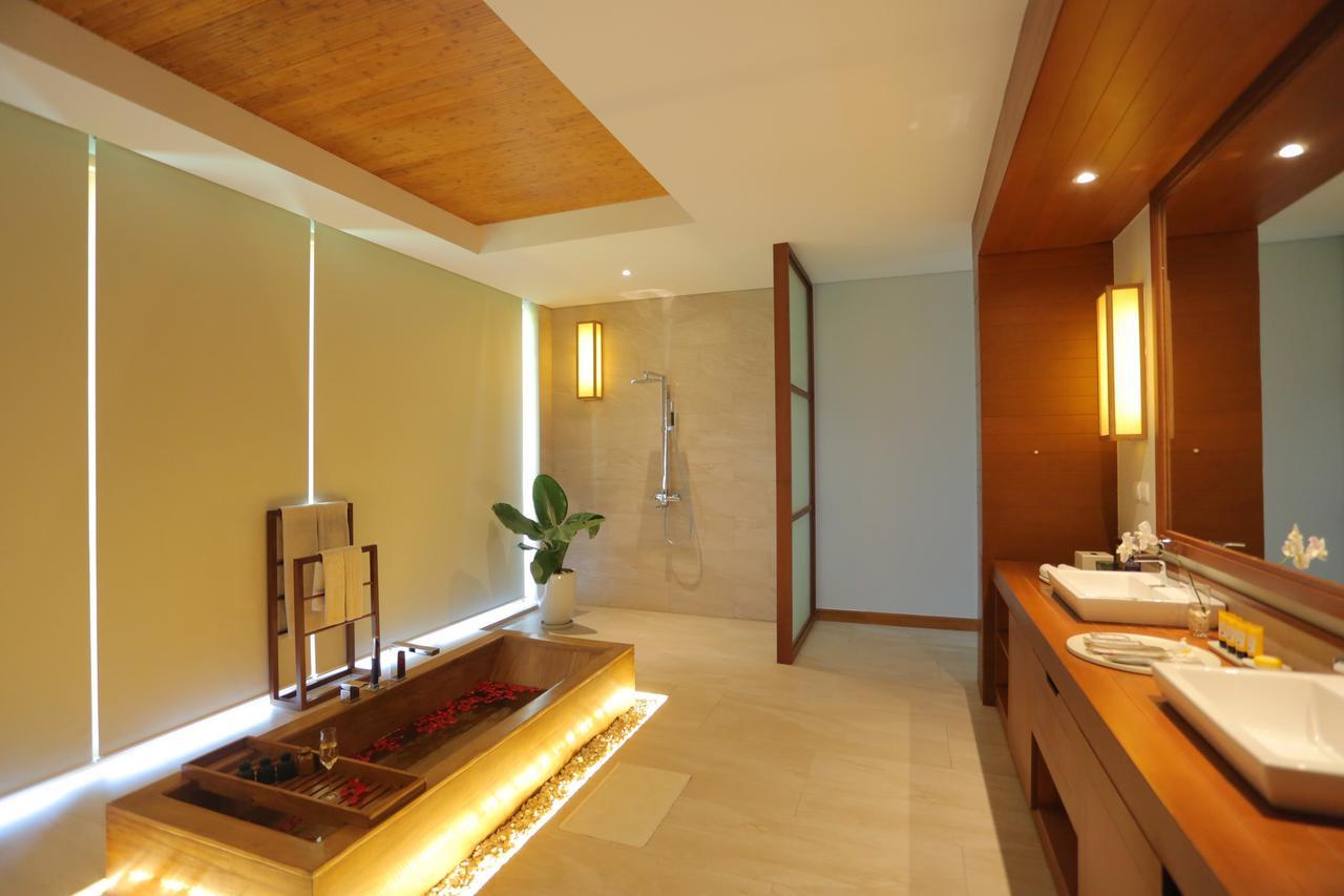 Đèn Xinh sử dụng đèn áp tường trong công trình FLC QN, giúp căn phòng tràn ngập ánh sáng