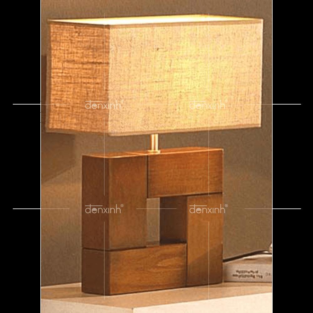 Đèn bàn chân gỗ vuông