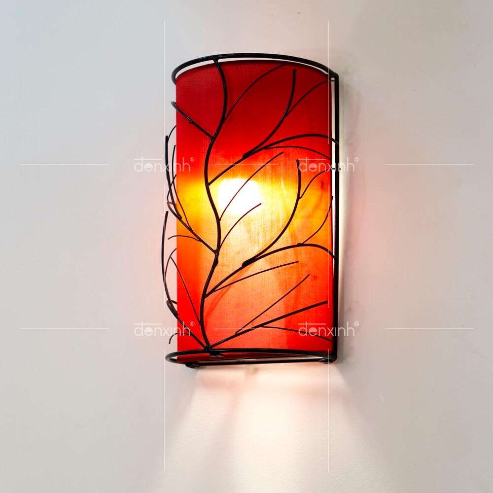Đèn áp tường bán nguyệt gân lá